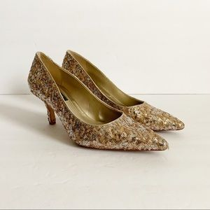 WHBM / gold sequin pointed toe pumps / 7.5